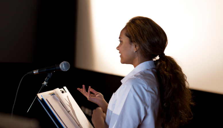 7 Keys for Writing a Strong Speech for Public Speaking