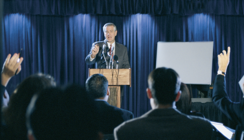 4 Tips for Writing an Engaging Speech