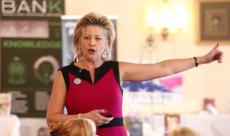 Be A Better Speaker presentation - eWomenNetwork